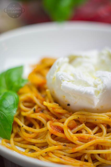 spaghetti-pommodoro-di-bufala+25282+of+12529