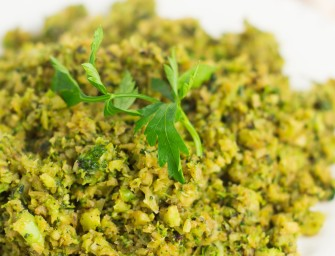 """Szybki i zdrowy obiad wegetariański – """"Ryż"""" z brokułów"""