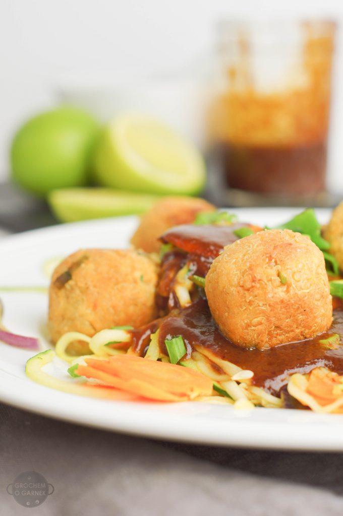 klopsiki z tofu i komosy ryżowej lekki i szybki obiad wegetariański