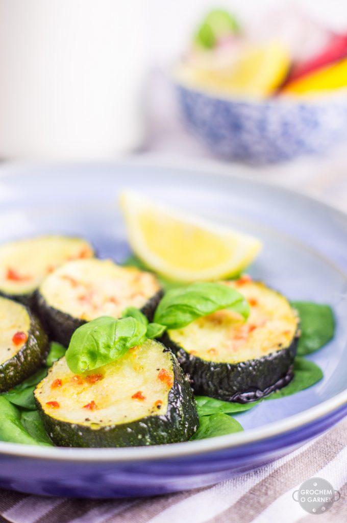 cukinia-zapiekana-lekki i szybki obiad wegetariański